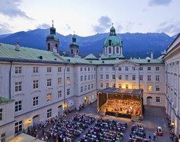 Koncert na dziedzińcu Hofburga