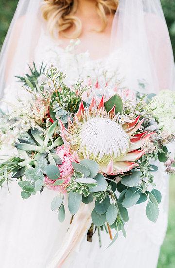 Najpiękniejsze i najmodniejsze kwiaty na ślub i wesele 2018