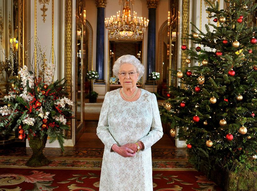 Odkrywamy tajemnice Pałacu Buckingham: zobacz, jak wyglądają święta rodziny królewskiej!