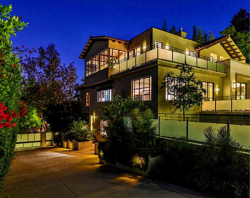 Po próbie włamania Rihanna wystawiła na sprzedaż dom w Los Angeles