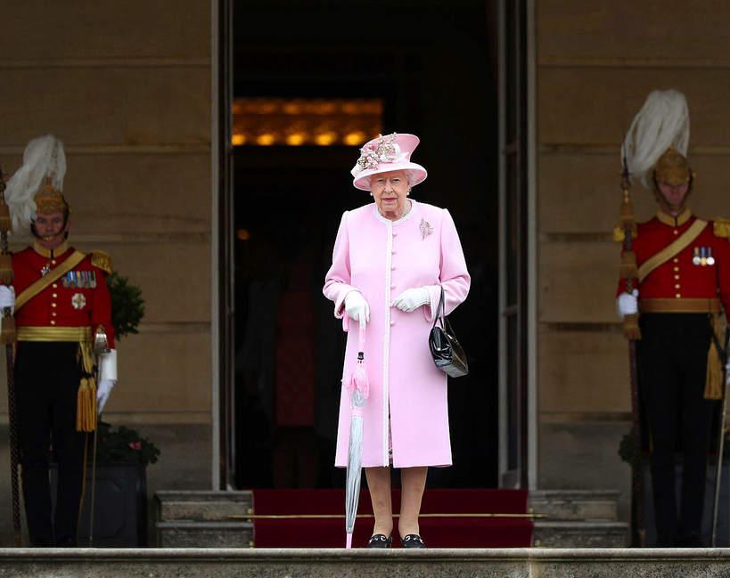 sekrety-palacu-buckingham-krolowa-elzbieta-II-komnaty-jak-wygladaja-kto-ma-dostep
