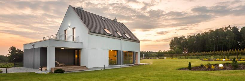 trendy-wiosna-2021-wnetrza-domy-modulowe-architektura-projekt-poza-miastem-2