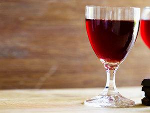 Czerwone wino i czekolada
