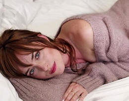 Dakota Johnson ma piękne ciało! Możemy je podziwiać w filmach o Greyu. Jak o nie dba? Trenerzy aktorki zdradzają szczegóły!