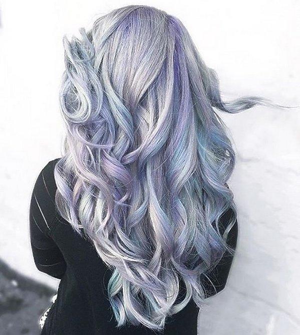 Holograficzne włosy długie