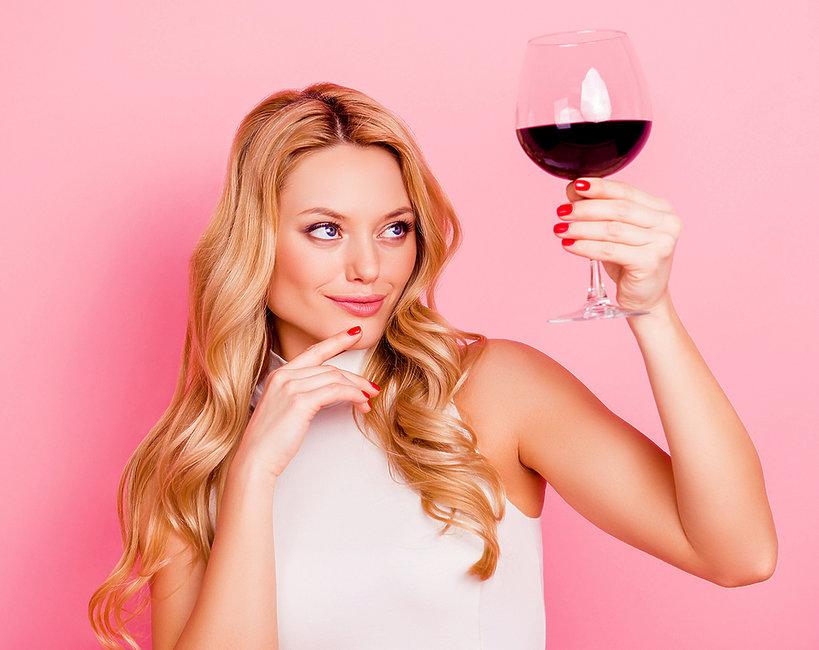 jaki alkohol pić, żeby nie szkodzić skórze