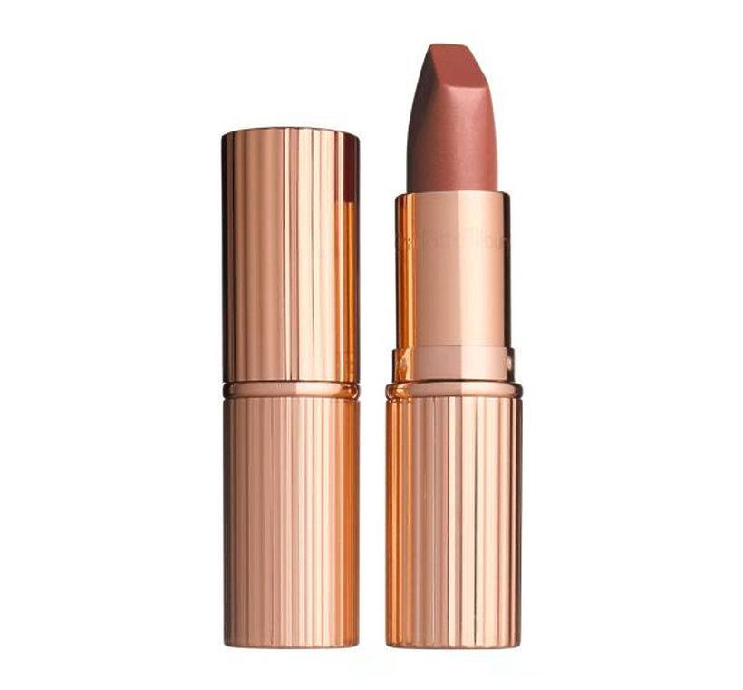 Jakich kosmetyków do makijażu używa Meghan Markle?