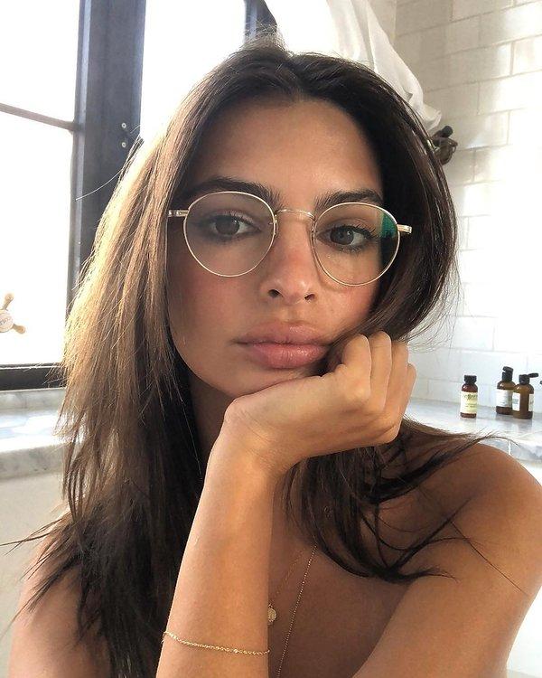 makijaż, okulary, emily ratajkowski