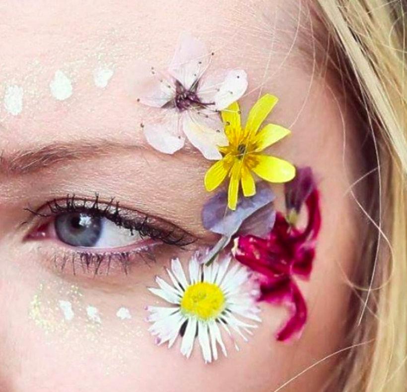 Kwiaty zamiast makijażu