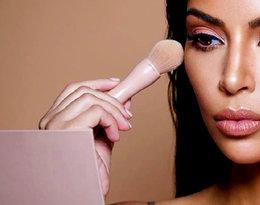 Triki urodowe Kim Kardashian - poznajcie jej sposoby na perfekcyjny makijaż, włosy i paznokcie!
