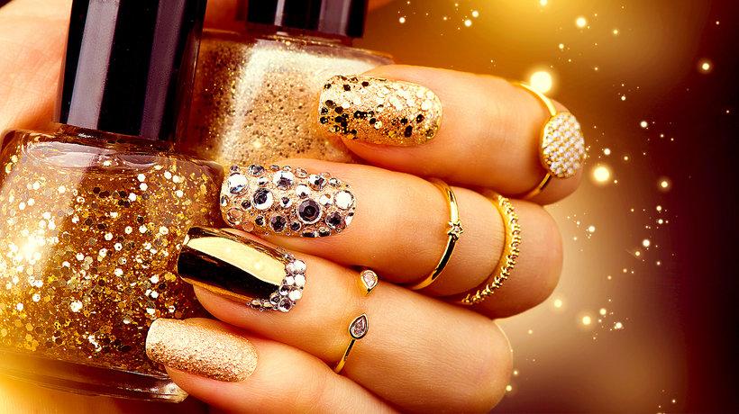 Manicure na zimę: oto 5 najgorętszych trendów w stylizacji paznokci!