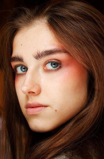 paryż trendy uroda makijaż