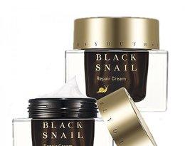 Krem nawilżający o wysokiej zawartości ekstraktu ze śluzu ślimaka Prime Youth Black Snail Repair Cream, Holika Holika, 249,49 zł.