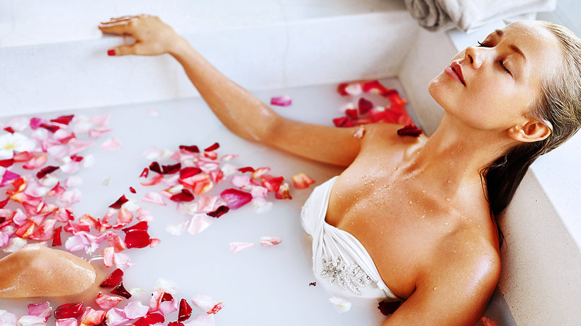 Najlepsze sposoby na relaksującą kąpiel
