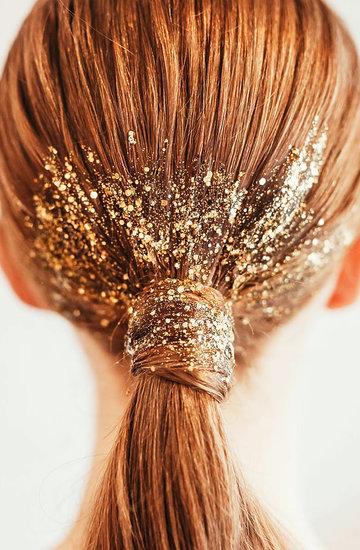 trend brokatowe włosy
