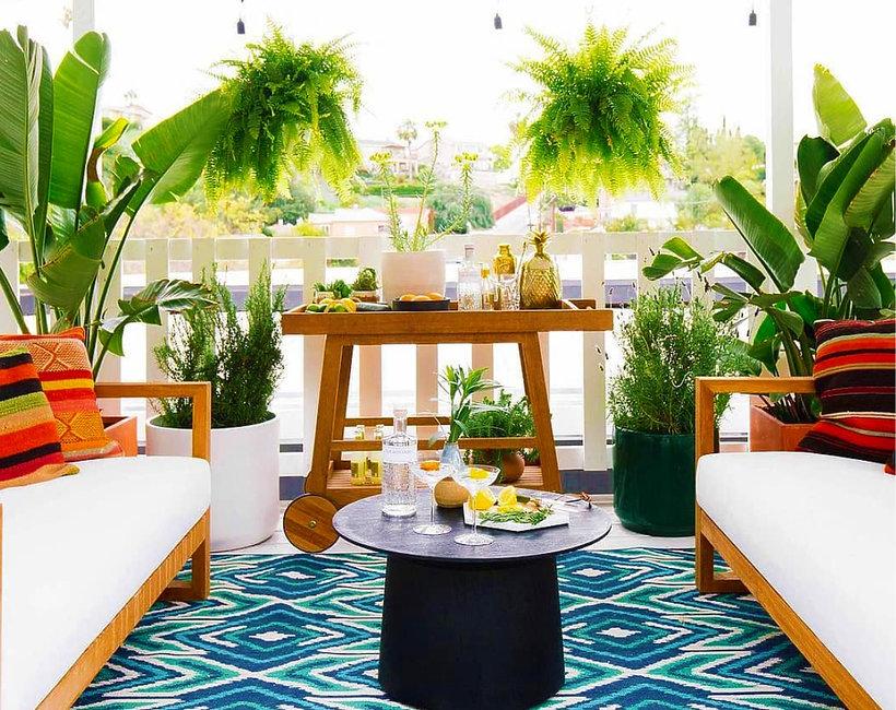 Zaaranżuj balkon na imprezę na świeżym powietrzu