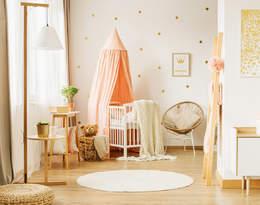 Wnętrza na lato 2021 - jak modnie urządzić pokój dla dziewczynki?