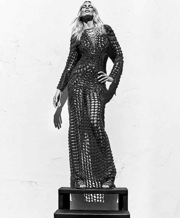 Claudia Schiffer w kampanii domu mody Balmain