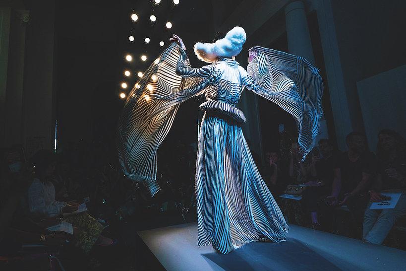 Agnieszka Ścibior o pokazach haute couture w Paryżu na jesień 2019