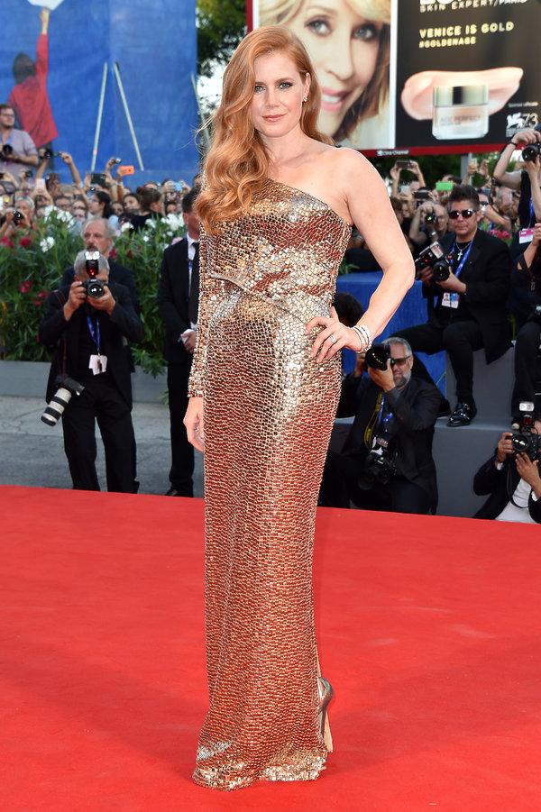 Amy Adams Najpiękniejsze kreacje z poprzednich lat na Festiwal Filmowy w Wenecji