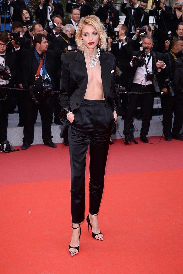 Anja Rubik na premierze  nowego filmu Almodovara w Cannes 2019