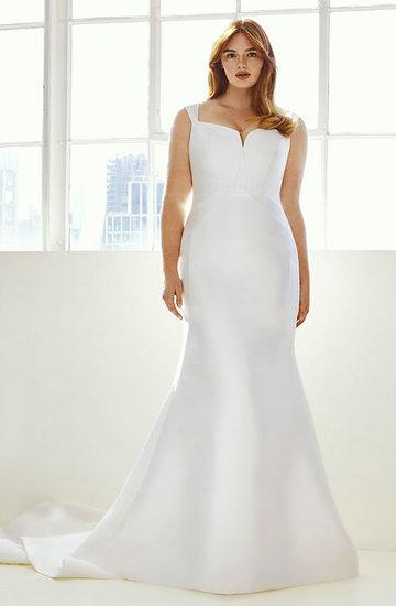 Ashley Graham wprowadza kolekcję sukien ślubnych dla kobiet plus size