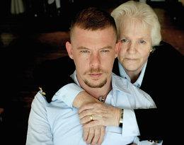 Dziś skończyłby 48 lat… Polecam fascynującą biografię zmarłego projektanta Alexandra McQueena
