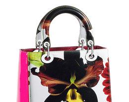 Brytyjski artysta Marc Quinn zaprojektował limitowaną kolekcję torby Lady Dior
