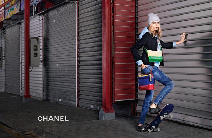 Cara Delevingne w kampanii torebek Gabrielle domu mody Chanel