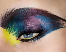 Christian Louboutin  linię kosmetyków do makijażu oczu