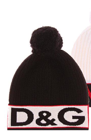 Ewa Chodakowska w czapce z pomponem, najmodniejsza czapka na zimę