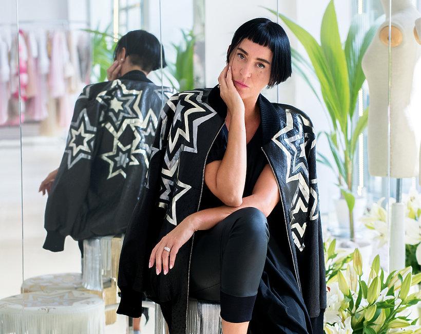Garderoba projektantki Agnieszki Maciejak w magazynie VIVA! MODA na jesień 2018