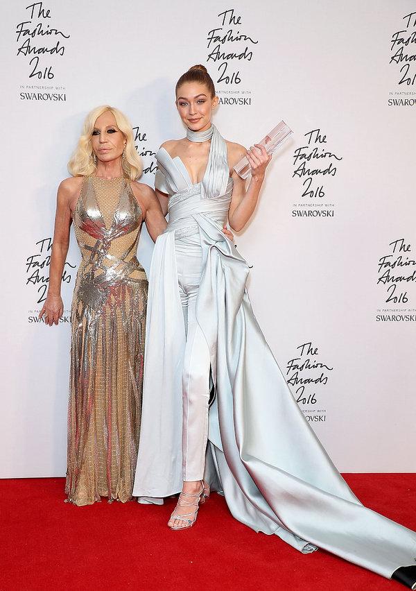 Gigi Hadid, Donatella Versace