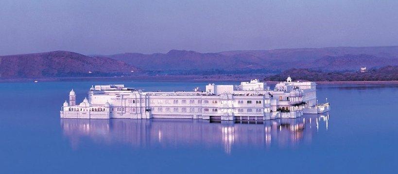 Hotel Taj Lake Palace w Udajpur w Indiach