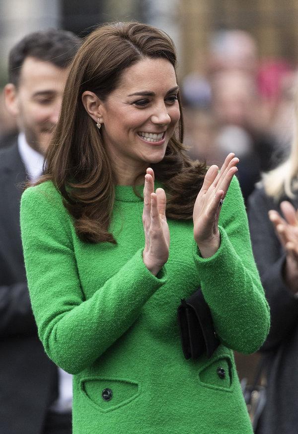 Internet śmieje się z sukienki księżnej Kate!