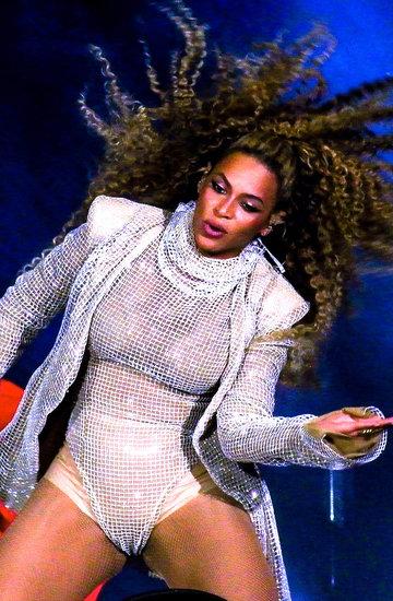 Jakie kostiumy założy podczas koncertu w Warszawie Beyoncé?