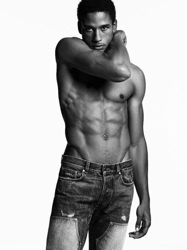 Kampania Givenchy Jeans na wiosnę 2017