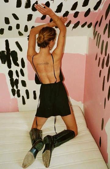 Kampania La Nostalgia polskiej marki The Odder Side z modelką Erin Wasson