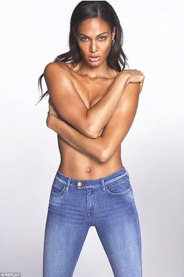 Kampania reklamowa linii damskich dżinsów Touch marki Replay