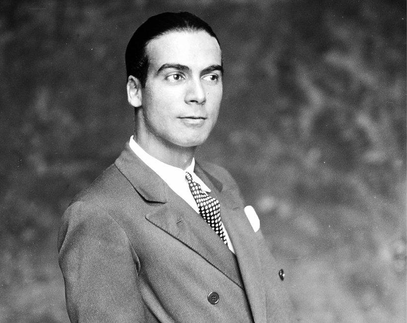Kiedy urodził się Cristóbal Balenciaga?
