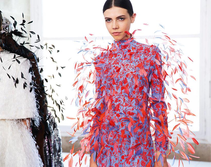 Kobiety przejmują stery w świecie mody haute couture!