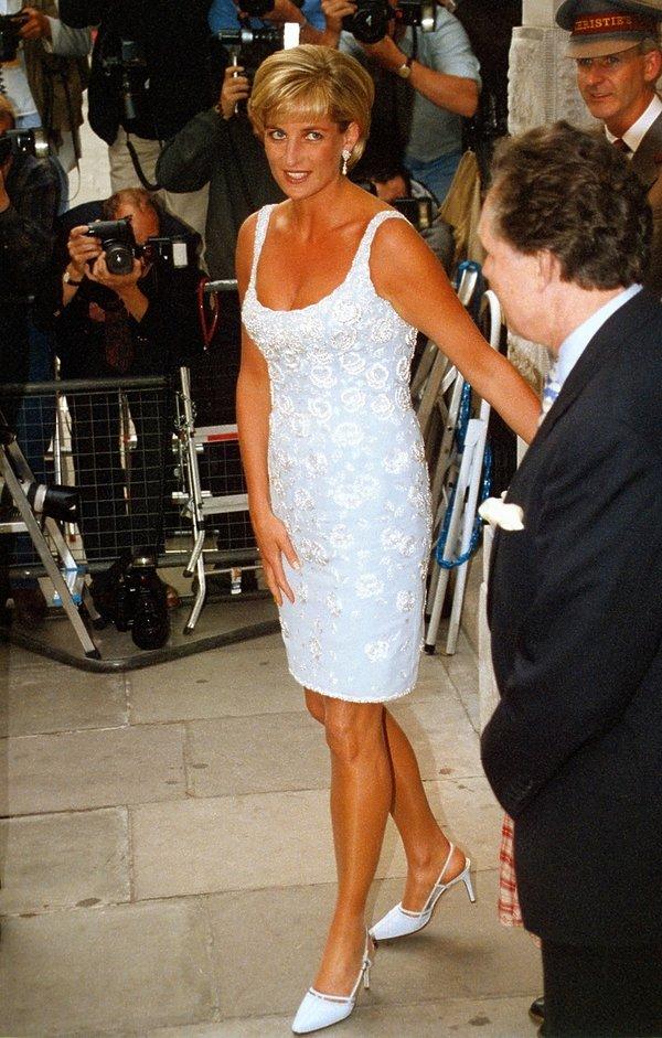 Księżna Diana w butach Jimmy Choo