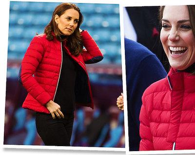 Księżna Kate w czerwonej puchówce