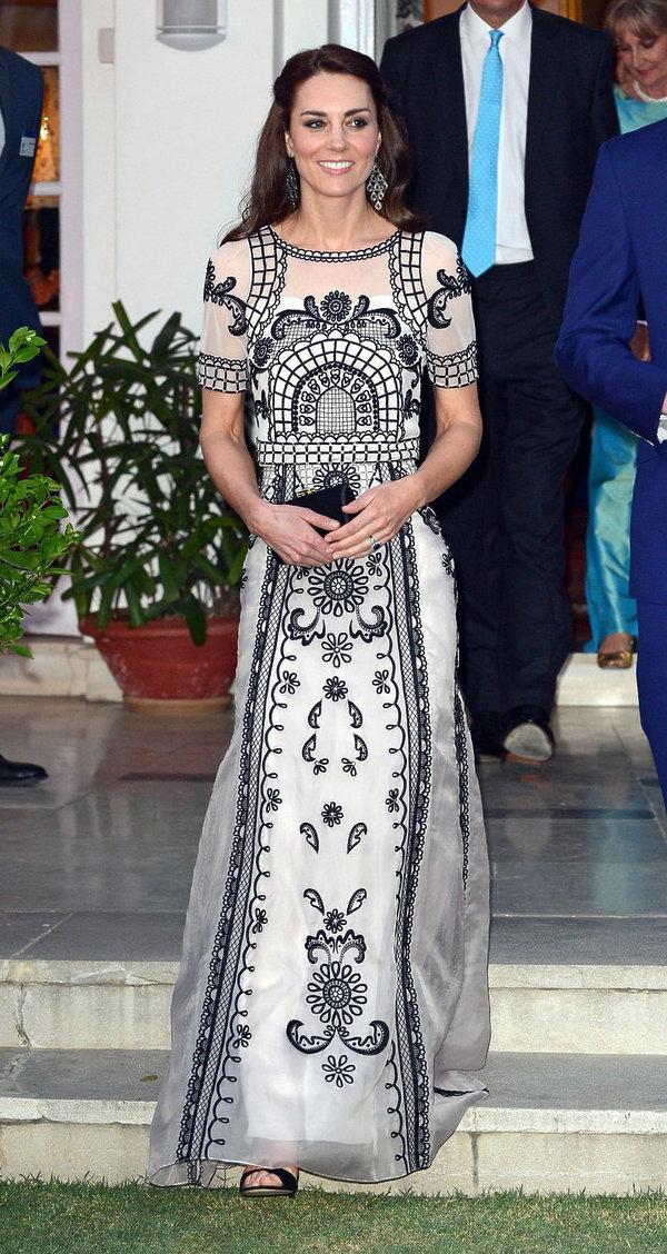 Księżna Kate w kreacji  marki Temperley London