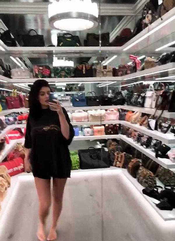 Kylie Jenner pokazała swoją kolekcję torebek!