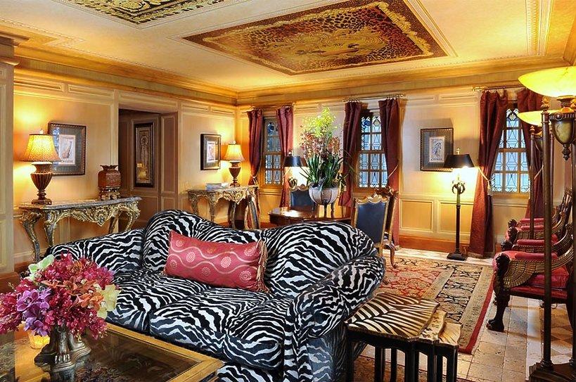 Luksusowy hotel w  domu Gianniego Versace w Miami Beach