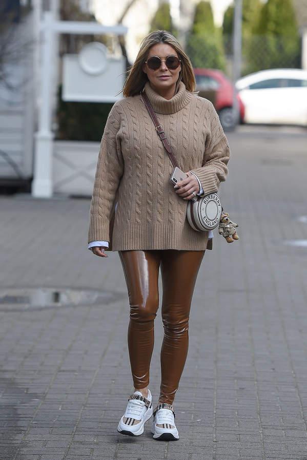 Małgorzata Rozenek-Majdan ciążowa stylizacja Burberry
