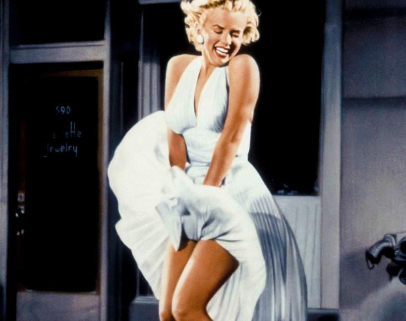 marilyn-monroe-historia-najslynniejszej-sukienki-z-filmu-slomiany-wdowiec-jak-pomogla-jej-w-karierze