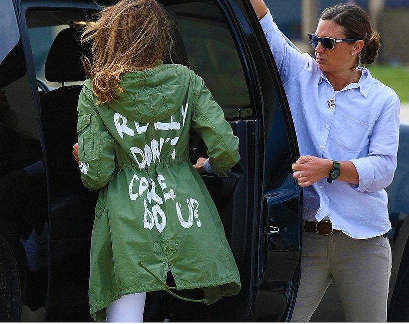 Melania Trump w kurtce z szokującym napisem odwiedziła ośrodek dla dzieci imigrantów
