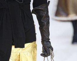 Modelka na pokazie  Chanel na jesień/zimę 2016/17